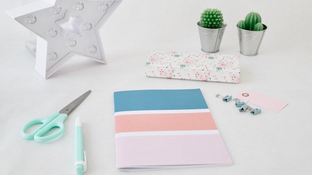 comment assortir les couleurs de votre cahier personnalis les jolis cahiers. Black Bedroom Furniture Sets. Home Design Ideas
