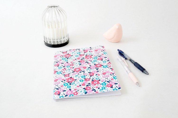 les-jolis-cahiers-cahier-liberty-bleu-et-rose
