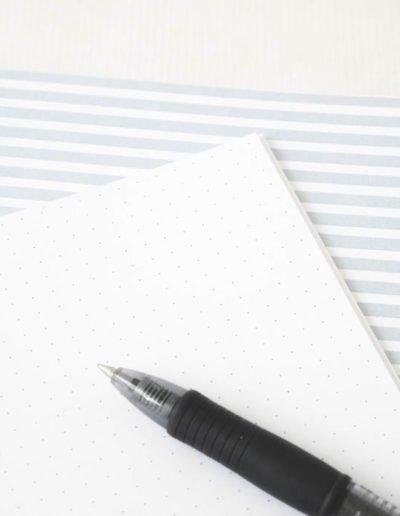 les-jolis-cahiers-cahier-life-is-better-bleu-interieur