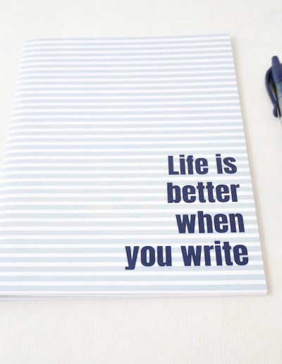 les-jolis-cahiers-cahier-life-is-better-bleu-zoom